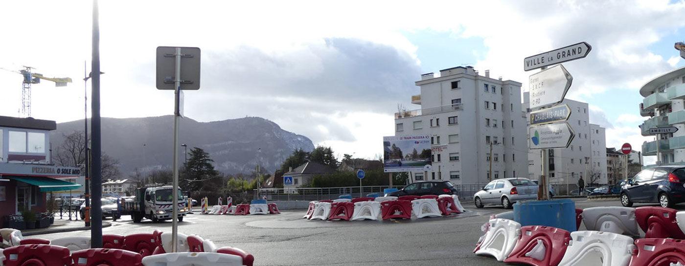 Tram Annemasse Genève carrefour baron-loe