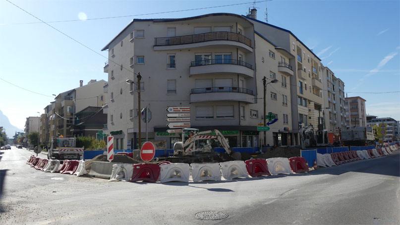 Tram Annemasse Genève carrefour rue libération