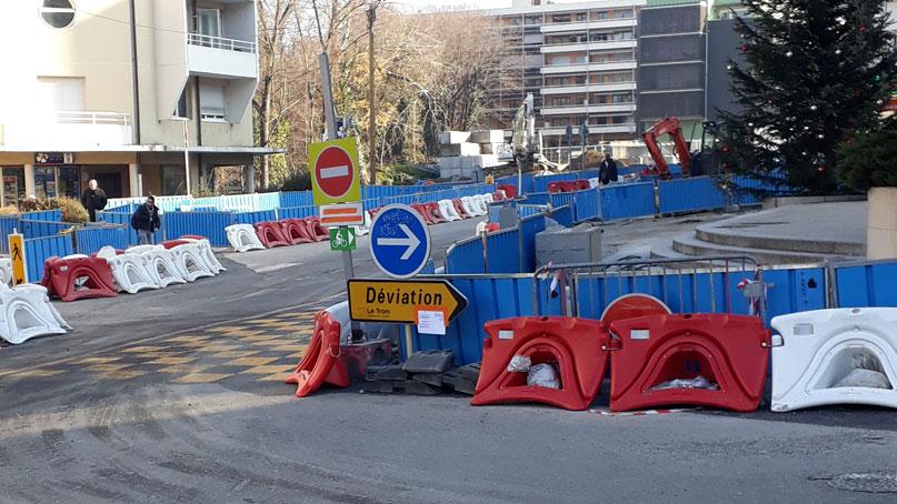 Tram Annemasse Geneve panneau velo moillesulaz